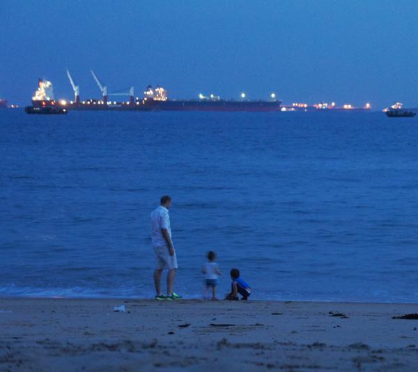ships-port-lights-night-singapore