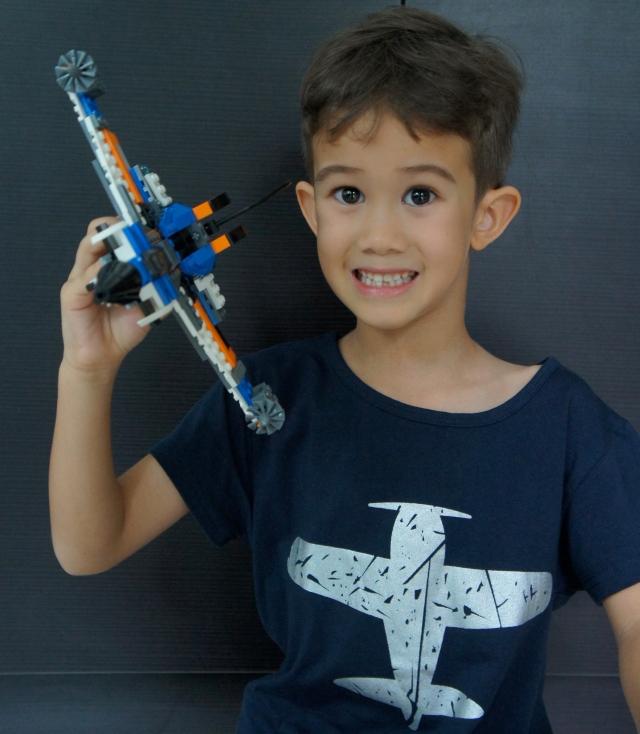 kids-tee-dark-blue-aeroplane