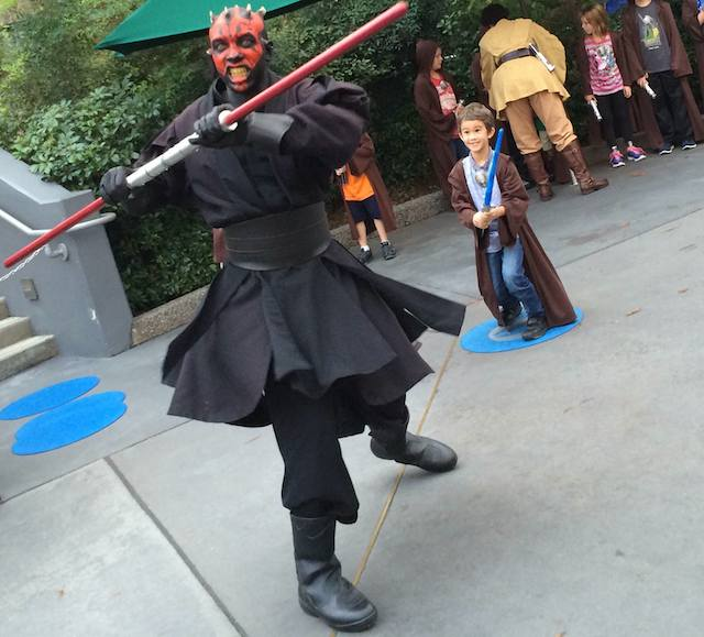 jedi-padawan-darth-maul-star-wars-epcot